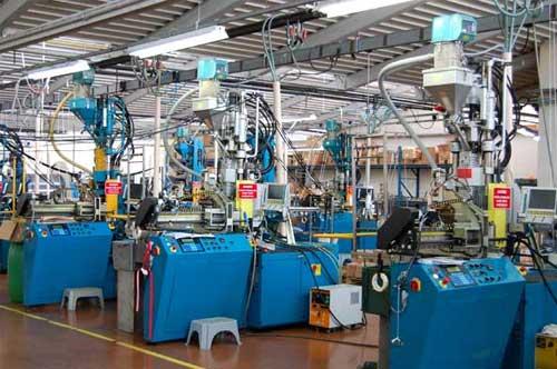 Injection plastique d'accessoires textiles